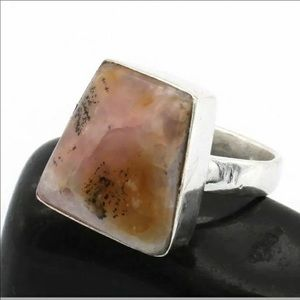 Dendritic Opal Size 10